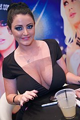 Sophie Dee podczas AVN Adult Entertainment Expo w 2013 roku