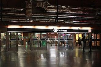 Rådhuset metro station - Image: Spärr i Rådhuset bild 1