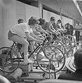 Spel en sport voor jeugd in RAI-gebouw te Amsterdam. Hometraining, Bestanddeelnr 915-3587.jpg