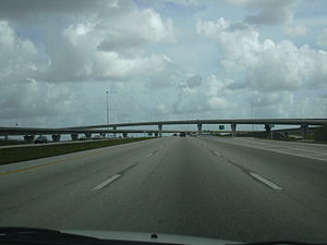Interstate 595 (Florida) - I-595 eastbound at the SR 84/US 441 interchange