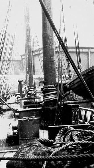 Mary B Mitchell (schooner) - Image: State Lib Qld 1 148371 Mary B. Mitchell (ship)