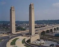 State Street Bridge (Harrisburg) HAER color.jpg