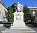 Statue Unter den Linden 6 (Mitte) Wilhelm von Humboldt.jpg
