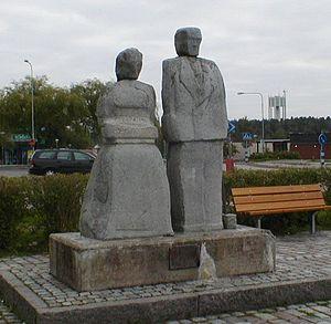 Stenhamra - Sculpture in Central Stenhamra