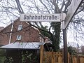 Straßenschild Bahnhofstraße Melsdorf.jpg