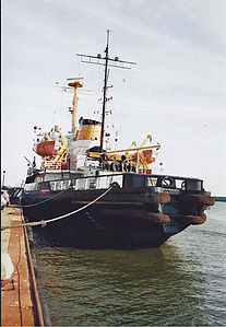 Stralsund, Eisbrecher STEPHAN JANTZEN, Heck (2006-07), by Klugschnacker in Wikipedia.jpg