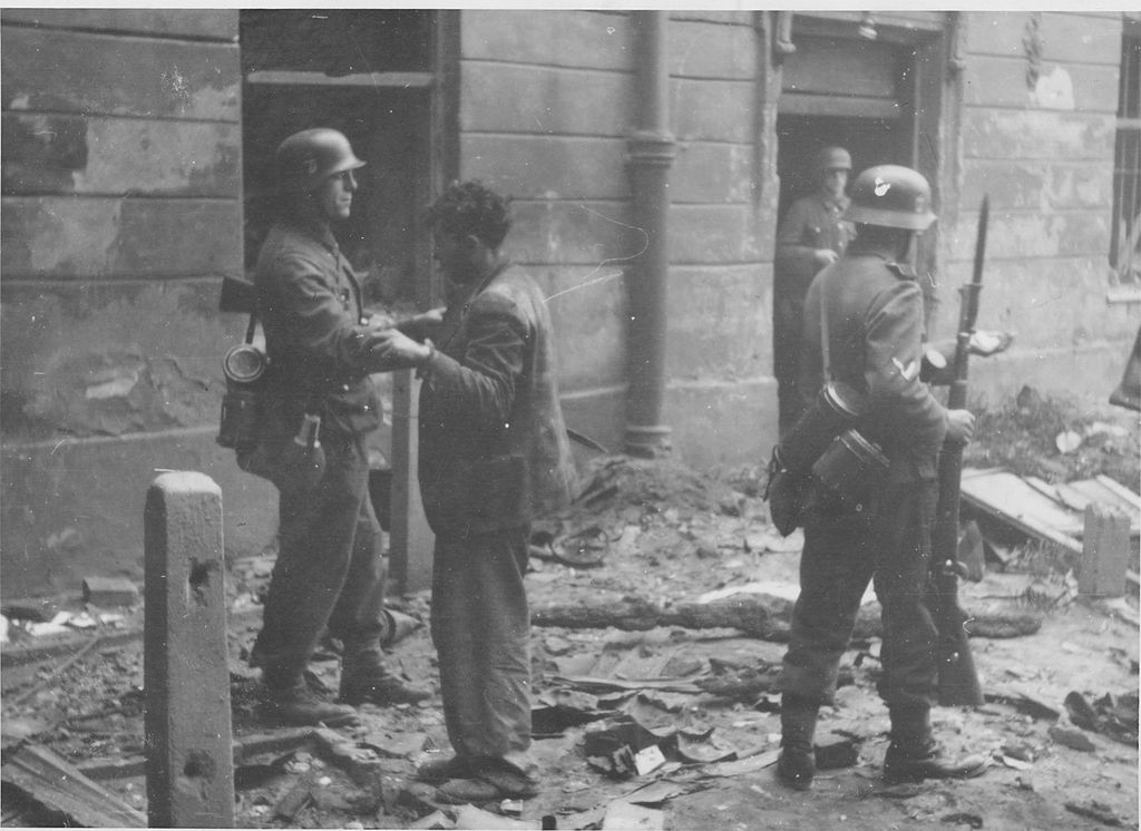 https://upload.wikimedia.org/wikipedia/commons/thumb/3/38/Stroop_Report_-_Warsaw_Ghetto_Uprising_-_NARA16.jpg/1024px-Stroop_Report_-_Warsaw_Ghetto_Uprising_-_NARA16.jpg