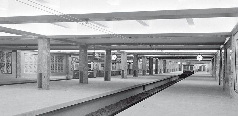 File:Subterráneos de Buenos Aires - Estación Retiro - Vista de andenes CTCBA.jpg