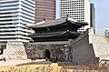 Sungnyemun Gate, Seoul, 1394 (5) (39324302670).jpg