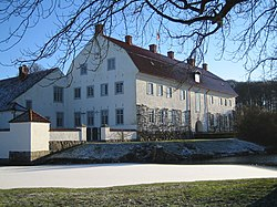 Swedish castle Skabersjö.jpg