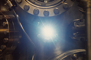 Synchrotron light source particle accelerator designed to produce intense x-ray beams