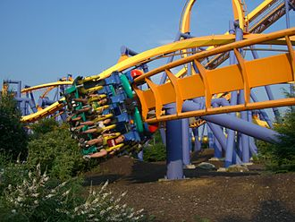 Talon (roller coaster) - Talon's steeply banked low-to-the ground turn