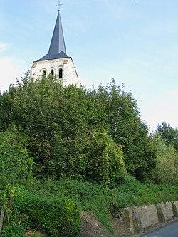 Tavaux-et-Pontséricourt église fortifiée (clocher) 1.jpg