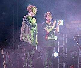 Tegan and Sara post-concert at July 2014 Hillside Festival