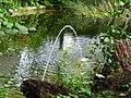 Teich mit Springbrunnen beim Spritzenhaus 05.jpg