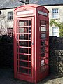 Telephone box, Nunney - geograph.org.uk - 1214419.jpg