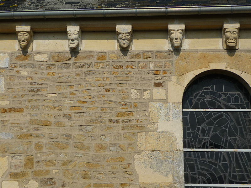 Modillons de l'église Saint-Germain de Tessel (Calvados)