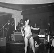 The Ladybirds opptrer i Bergen The Ladybirds performing in Bergen, Norway (1968) (3).jpg