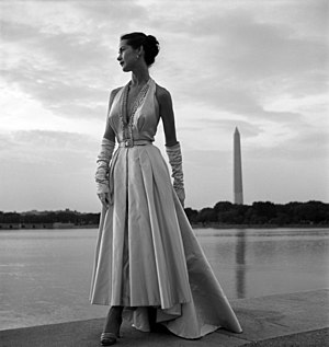 Fashion photography - Fashion photograph by Toni Frissell, 1949