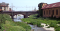 Torrente pora ponte ferroviario a finale ligure.png