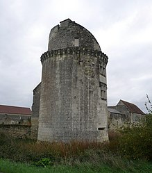 The south-west tower of the Château de l'Étang