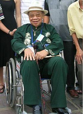 Trần Văn Khê.jpg