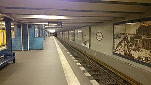 Uhlandstraße (Berlin U-Bahn) - Platform