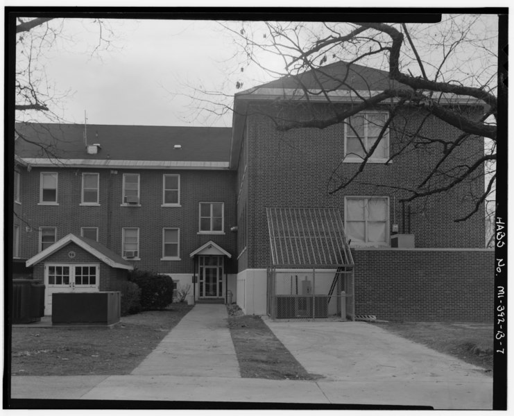File:U.S. Veterans Bureau Hospital No. 100, Building No. 2, 5500 Armstrong Road, Battle Creek, Calhoun County, MI HABS MICH,13-BATCR,5B-7.tif