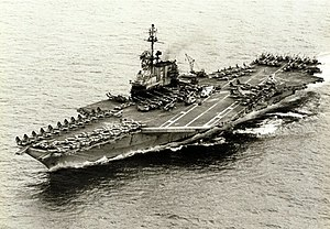 USS Midway v roce 1975