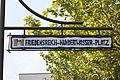 Uelzen - Friedensreich-Hundertwasser-Platz 02 ies.jpg