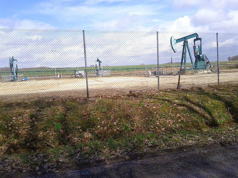 Un puits de pétrole, vers Montmirail (Marne)