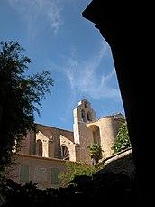 Iglesia, vista desde el claustro.