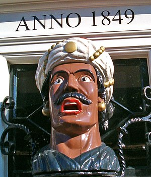 "Gaper - Gaper on the front of ""Van der Pigge"", a pharmacy in Haarlem"