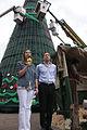 Vidal y Santilli asisten a la ceremonia de bendición del Arbol de Navidad en Plaza de Mayo.- (6559592989).jpg