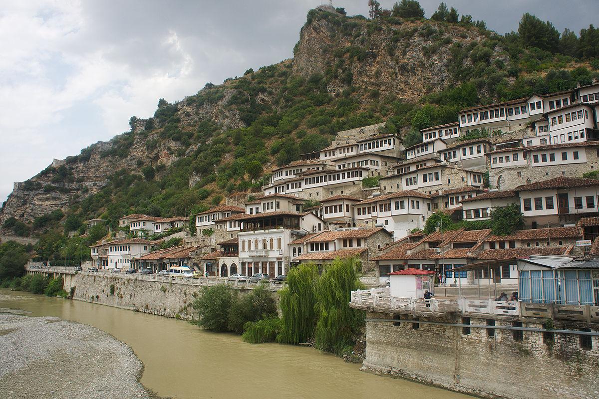 Berat wikivoyage le guide de voyage et de tourisme - Office de tourisme andorre la vieille ...