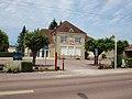 Villeneuve-au-Chemin-FR-10-mairie-a1.jpg