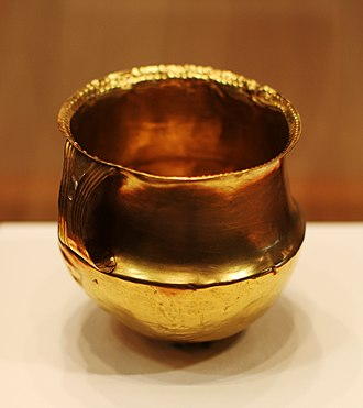 Unetice culture - Gold cup from Wachberg-Fritzdorf, c.1800-1600 BC