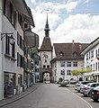 """Wangen a. d. Aare - """"Städtli"""" mit Zeitglockenturm und Hotel Krone.jpg"""