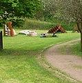 Wer sagt mir, wie die Skulpturengruppe heißt - panoramio (1).jpg