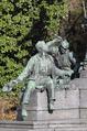 Werndl-Denkmal (Tischler und Schmied).png