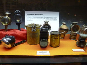 Bicycle lighting - Early bicycle lighting: candle lamps, oil lamps and carbide lamps