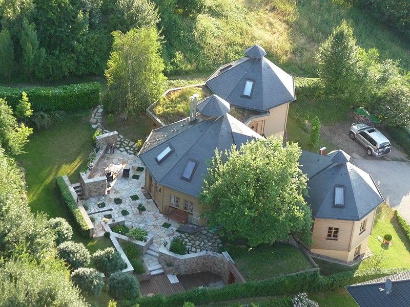 File:Wohnen in Schloßböckelheim - panoramio.jpg