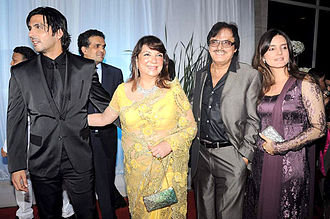 Sanjay Khan - Sanjay Khan at Esha Deol wedding in 2012.