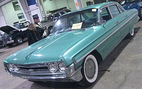 '61 Oldsmobile 98 Sedan (Toronto Spring '12 Classic Car Auction).JPG