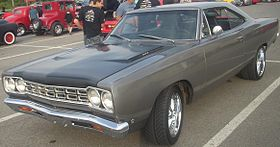 '68 Plymouth Road Runner (Les chauds vendredis '10).jpg