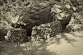 Ερείπιο εγκαταλελειμένου οικισμού στο φαράγγι της Σαμαριάς.jpg