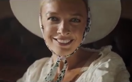 "Василіна Фролова - ""Persha ledi"" music video (cropped).png"