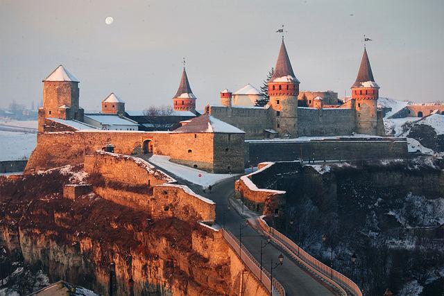 Зимова казка в Кам'янці. Автор фото — Krasnickaja Katya, ліцензія CC-BY-SA-4.0