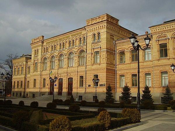 Будівля колишньої жіночої гімназії (нині педагогічний університет) в Кіровограді, © Костянтин Буркут