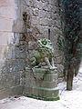 026 Castell de Santa Florentina (Canet de Mar), lleó a banda i banda de l'entrada.JPG
